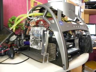 Voila le premier skeleton Water Cooling du forum - Page 5 Dscn3817