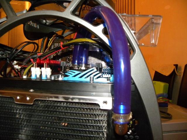 Voila le premier skeleton Water Cooling du forum - Page 5 Dscn3832