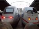 Photo gare + train + tramway à Paris. Hpim0510