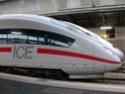 Photo gare + train + tramway à Paris. Hpim0612