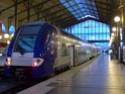 Photo gare + train + tramway à Paris. Hpim0617