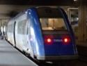 Photo gare + train + tramway à Paris. Hpim0640