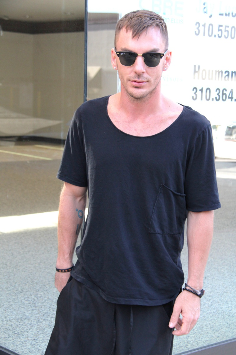 [2011] Shannon Leto à Beverly Hills - candids 0213