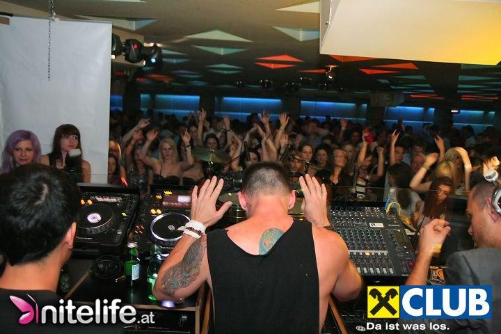 Shannon Leto et Braxton Olita (avec Mr. Becks) @ Club Passage - Vienne 1110