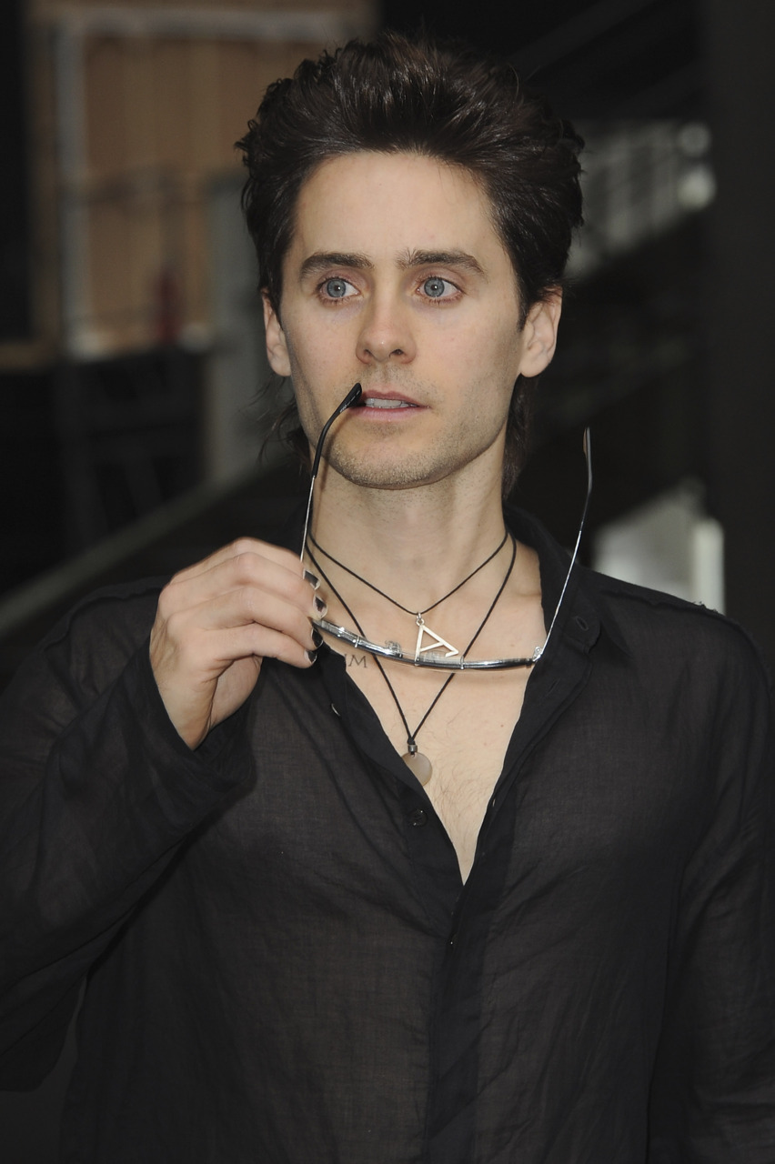 [2011] Jared Leto à Paris pour la Fashion Week - octobre 2011 1610