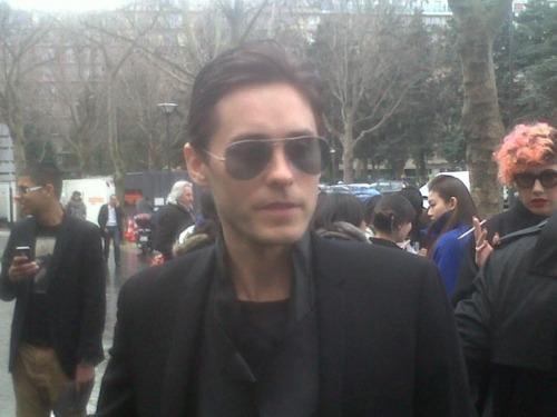 Jared Leto @ défilé Dior / Paris - 21 janvier 2012  Jared_33