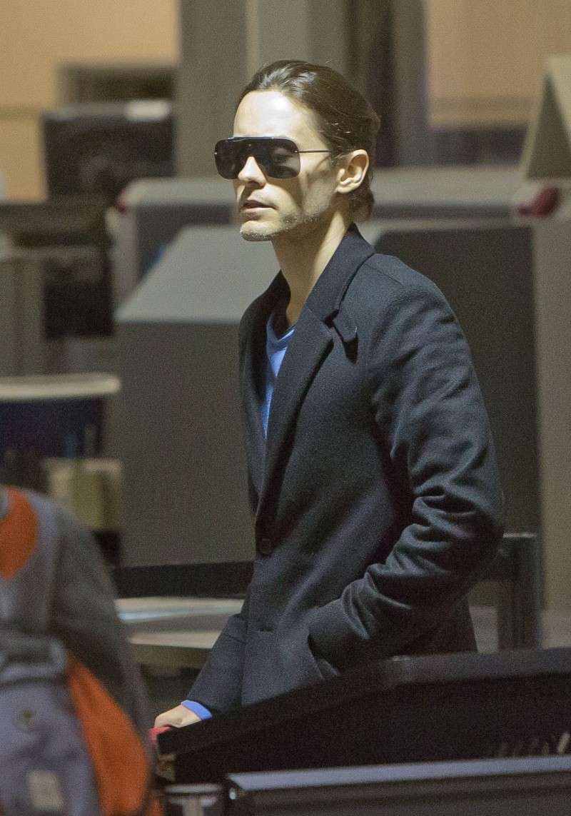 Jared Leto à l'aéroport de Los Angeles - 14 nov. 2012 [candids] Jared_61