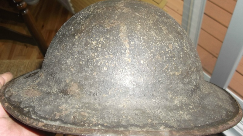 casque Brodie 1917 infanterie ( Angleterre ) Dscf5139