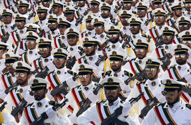 Forces armées iraniennes Rtr2rn10