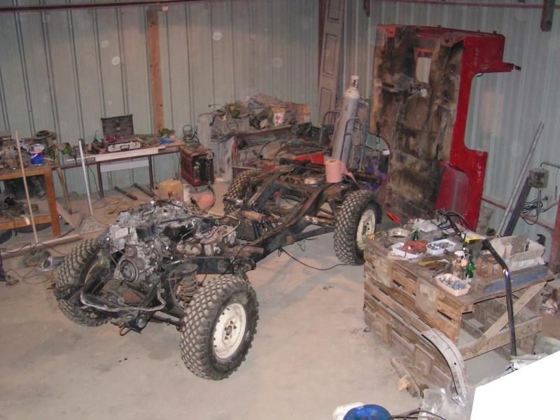 CJ 7 sur chassis mercedes et V8 mercos - Page 2 Pict5211