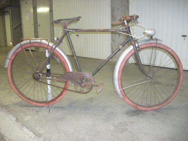 Cycle  L. L  lyon 30639410