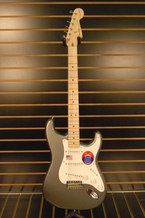 Strat Clapton: quelle couleur?  Dsc_0010