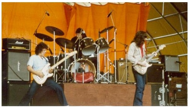 Rory Gallagher Band Mk 3 (1978-1981) - Retour au trio - Page 2 Image121
