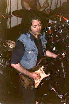 Photos de Charlie Gili - Lone Star Cafe, NYC, 23 ou 24 juin 1985 Lone210