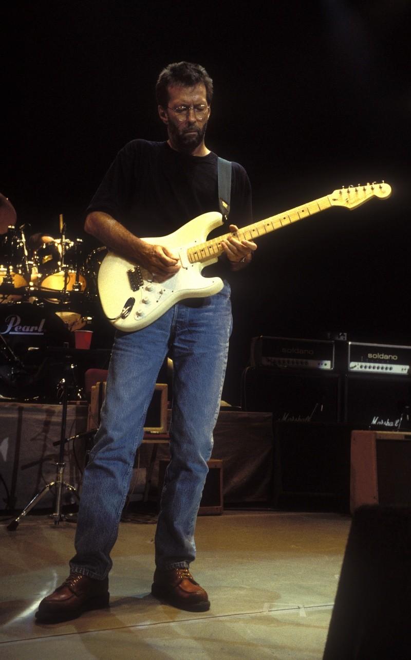 Strat Clapton: quelle couleur?  Strat_10