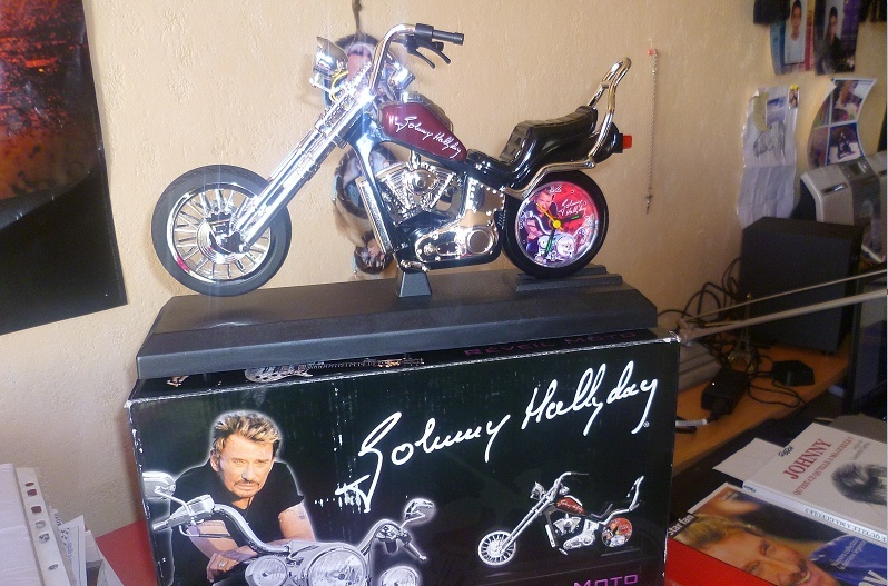 Reveil moto Johnny Hallyday Captu176
