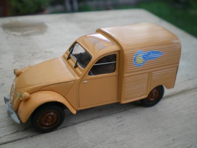 Citroën miniatures, on a fêté la 2CV Imgp9619