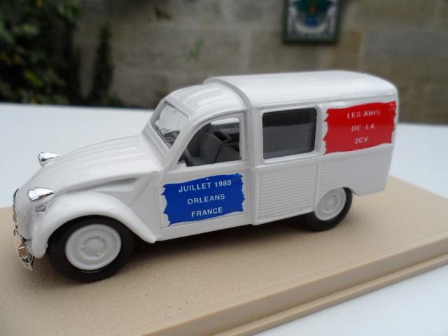Citroën miniatures, on a fêté la 2CV Sam_0227