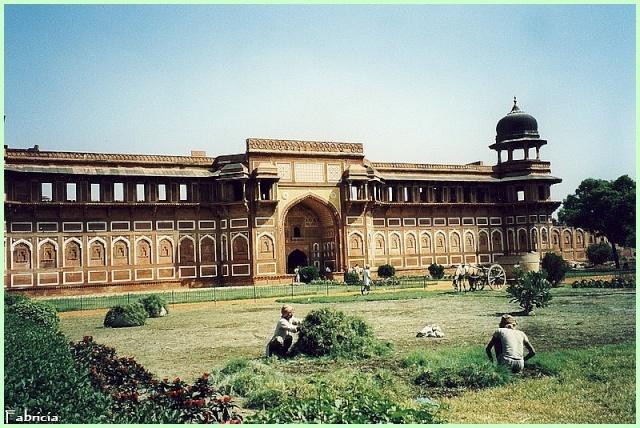 Photos de jardins, parcs, forêts... dans le monde - Page 2 Agra_r10