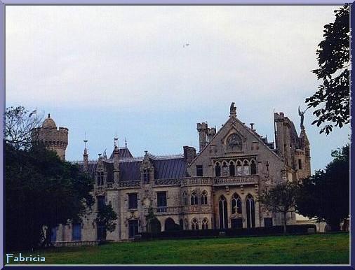 Monuments, gares, châteaux,... dans le monde - Page 4 Chatea14