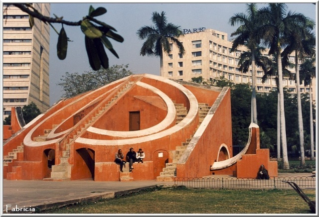 Monuments, gares, châteaux,... dans le monde - Page 2 Delhi_11