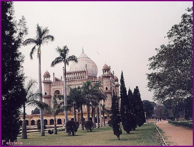Monuments, gares, châteaux,... dans le monde - Page 7 Delhi_13
