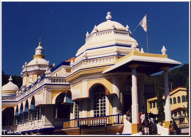 Monuments, gares, châteaux,... dans le monde - Page 2 Goa_ma10