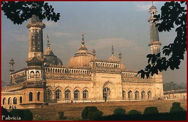 Monuments, gares, châteaux,... dans le monde - Page 6 Inde_m10