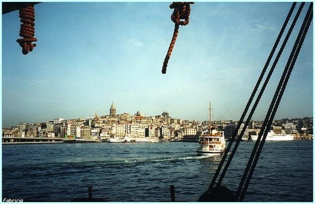 Monuments, gares, châteaux,... dans le monde - Page 2 Istanb10