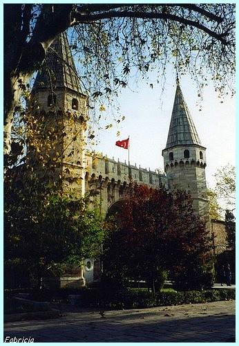 Monuments, gares, châteaux,... dans le monde - Page 2 Istanb11