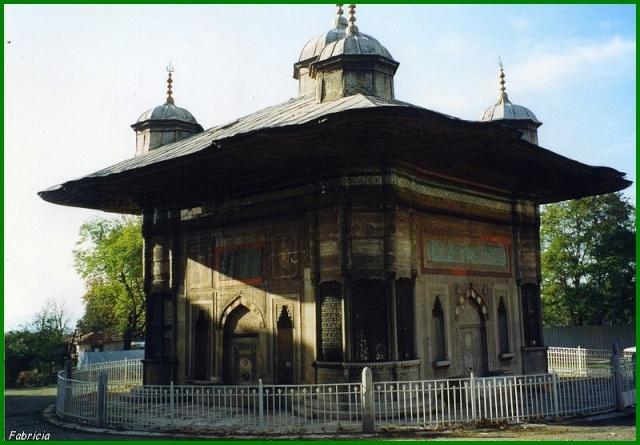 Monuments, gares, châteaux,... dans le monde - Page 6 Istanb12