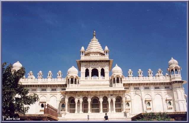 Monuments, gares, châteaux,... dans le monde - Page 2 Jodhpu11