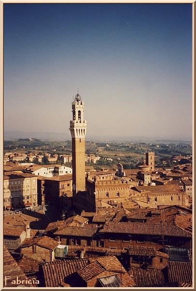 Monuments, gares, châteaux,... dans le monde - Page 2 Sienne10