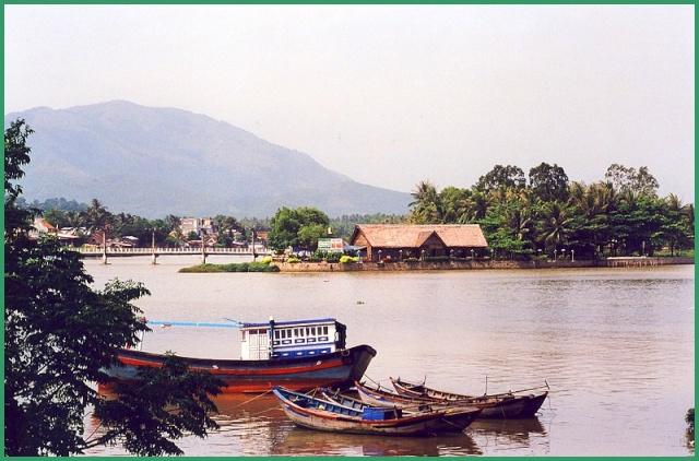 Bateaux sur l'eau - Page 2 Vietna12