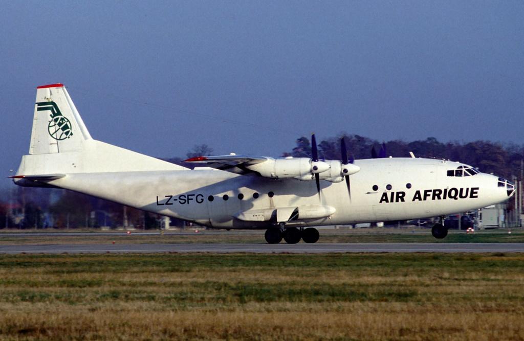 An-12 in FRA Img45510