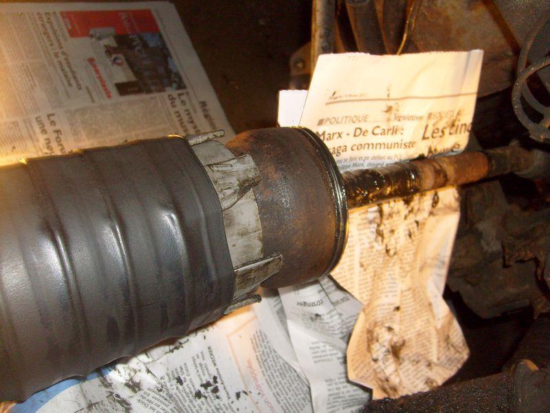 Soufflet de cardan côté roue... demande l'oeil expert S7302841