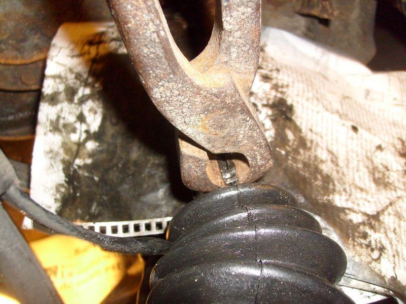 Soufflet de cardan côté roue... demande l'oeil expert S7302846