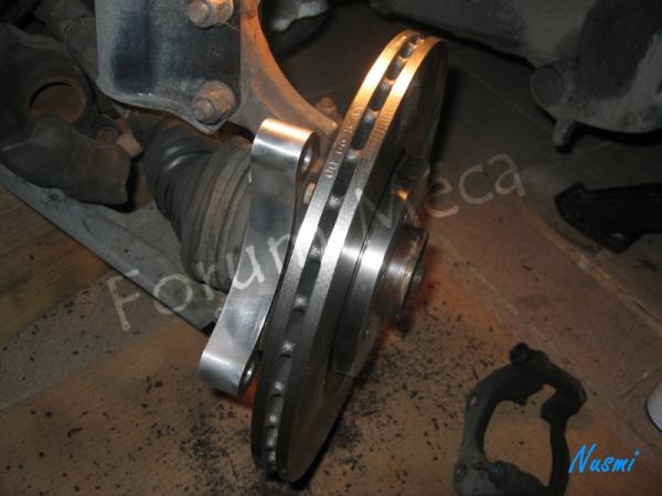 Changer étriers et disques de freins. Photo110