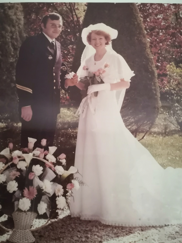 [Les traditions dans la Marine] Mariage en tenue - Page 6 Img_2025