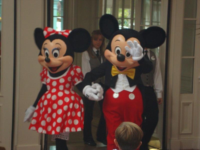 Disneyland Hôtel - Page 5 Dsc08010