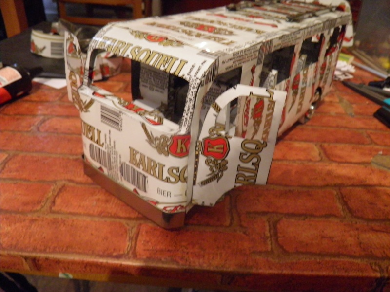 Un grand mini bus Pb270011