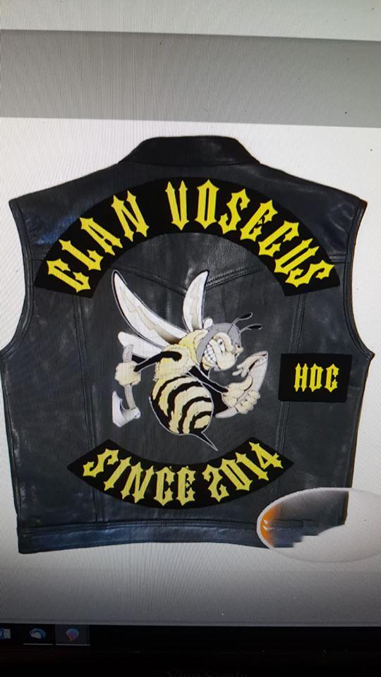 Couleurs des differents clubs de bikers - Page 23 42946511