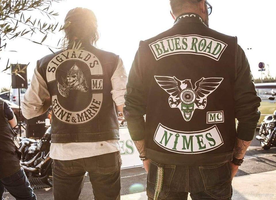 Couleurs des differents clubs de bikers - Page 27 59975210