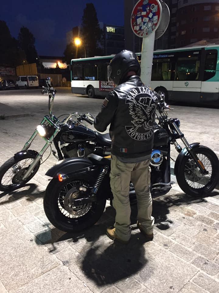 Couleurs des differents clubs de bikers - Page 28 61187210