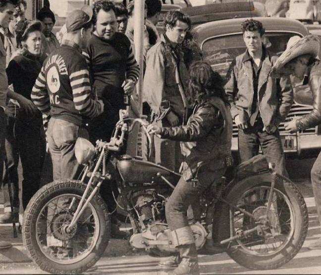 Vieilles photos (pour ceux qui aiment les anciennes photos de bikers ou autre......) - Page 13 Cv10