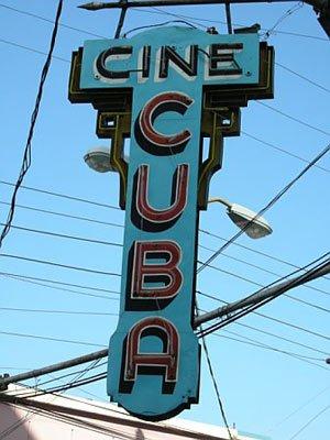 Calles de Santiago de Cuba Cine-c10