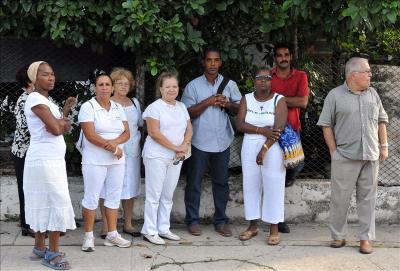 Sancionan a Opositores cubanos por repartir propaganda Mercen10