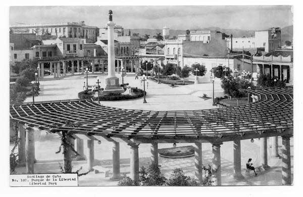 Calles de Santiago de Cuba Parque14