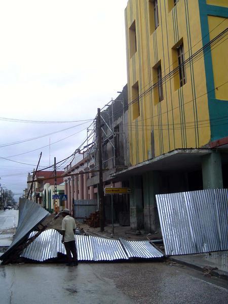EL HURACAN SANDY CAUSA DESTROZOS A SU PASO POR SANTIAGO DE CUBA Sand510