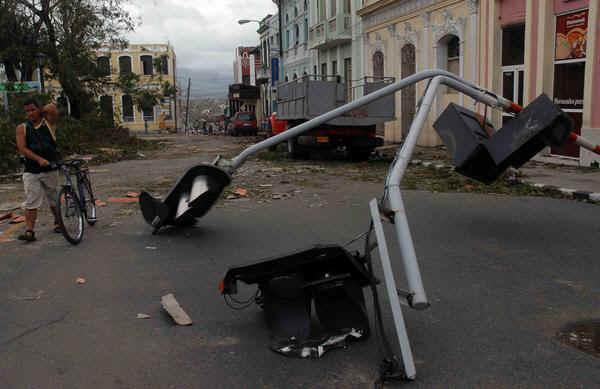 EL HURACAN SANDY CAUSA DESTROZOS A SU PASO POR SANTIAGO DE CUBA Santia13